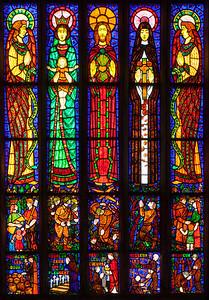 Etrapagny, Eglise Saint-Gervais-Saint-Protais Transept Window Figures