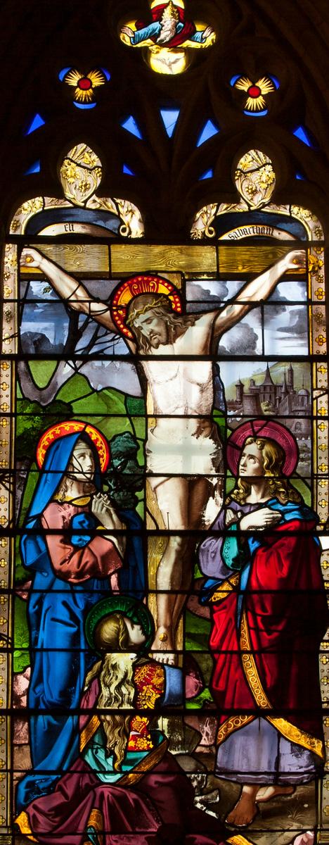 Menneval, Saint-Pierre Church Crucifixion Window