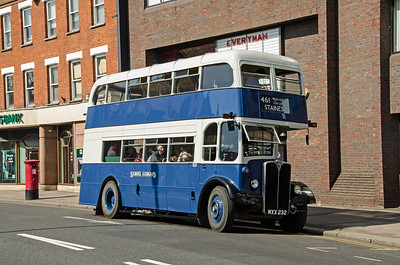 RLH32 in High Street, Walton-on-Thames