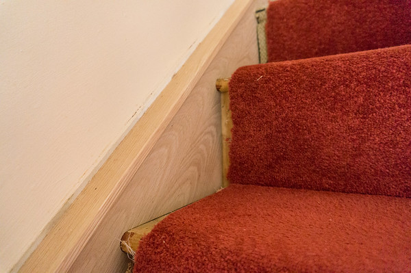Existing stair stringer clad in 6mm Oak veneered MDF, and then capped with soild Oak to finish.