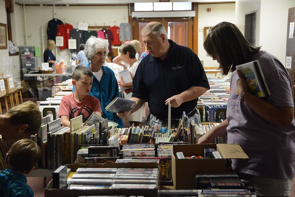 2016 Adams Free Library Book Sale-081716