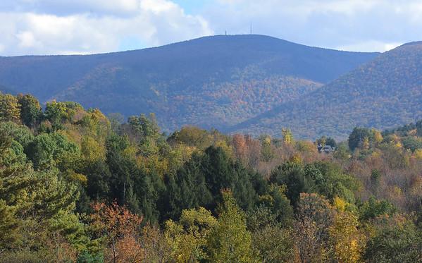 Fall Foliage in North Berkshire - 101018