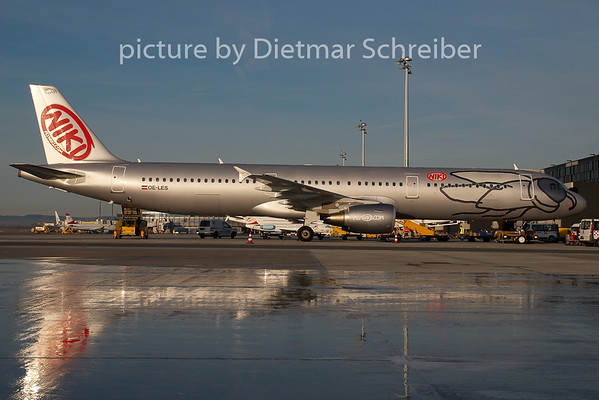 2008-12-09 OE-LES Airbus A321 Flyniki