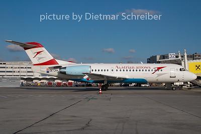 2008-12-25 OE-LFP Fokker 70 Austrian Arrows