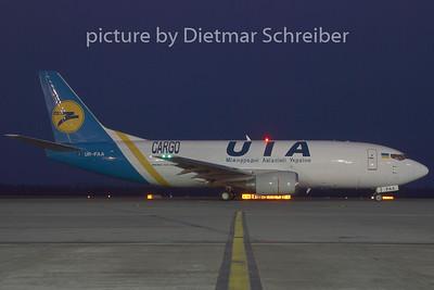 2008-12-17 UR-FAA Boeing 737-300 Ukraine International