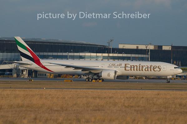 2008-12-08 A6-ECC Boeing 777-300 Emirates