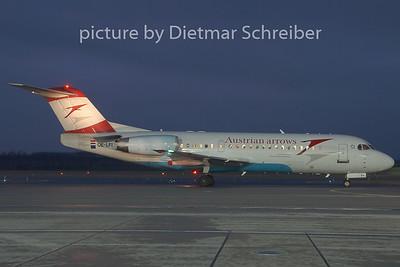 2008-12-25 OE-LFI Fokker 70 Austrian Arrows