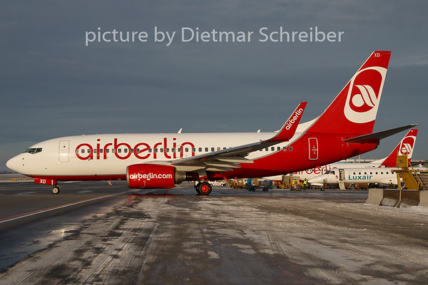2009-12-22 D-AHXD Boeing 737-700 Air Berlin