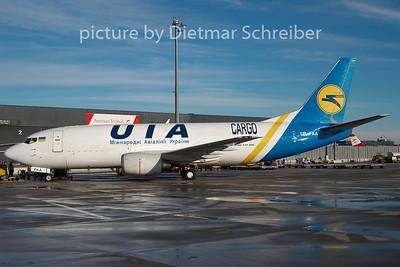 2009-12-22 UR-FAA Boeing 737-300 Ukraine International