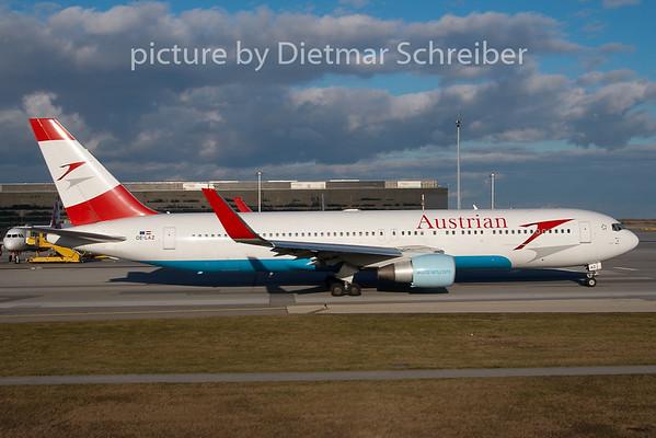 2009-12-28 OE-LAZ Boeing 767-300 AUstrian Airlines