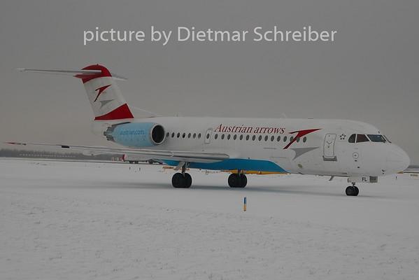 2010-12-11 OE-LFL Fokker 70 Austrian Arrows