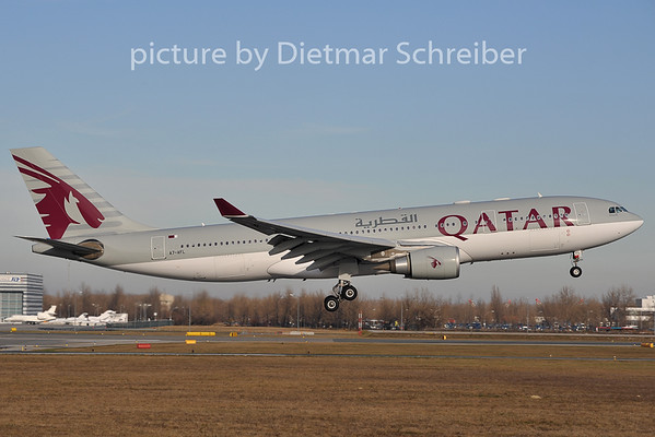 2011-12-13 A7-AFL Airbus A330-200 Qatar Airways