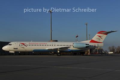 2011-11-28 OE-LVL Fokker 100 Austrian Arrows