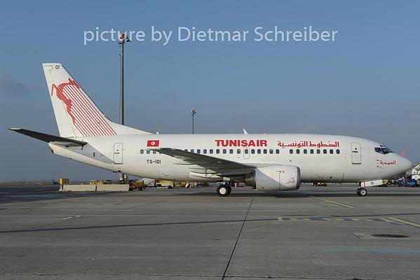 2012-12-20 TS-IOI Boeing 737-600 Tunis Air