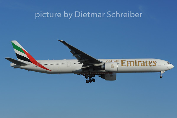 2012-12-07 A6-EBY Boeing 777-300 Emirates