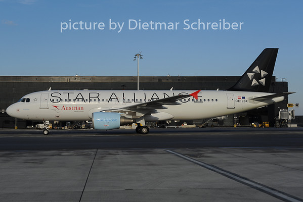 2012-12-07 OE-LBX Airbus A320 Austrian Airlines