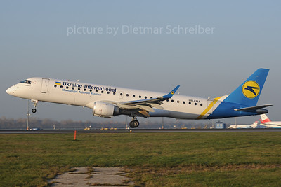 2013-11-14 UR-EMA Embraer 190 Ukraine International