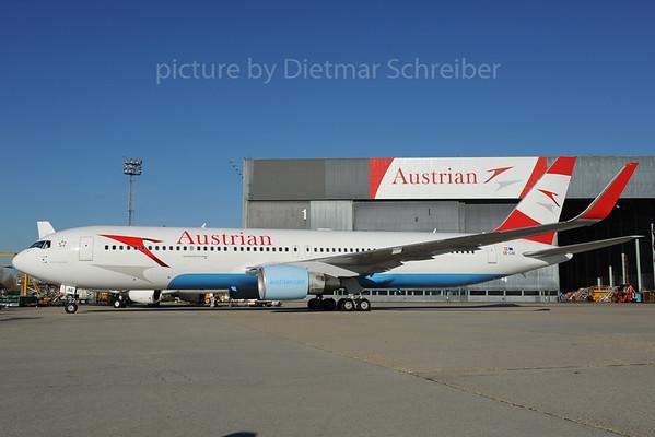 2013-11-08 OE-LAE Boeing 767-300 Austrian Airlines