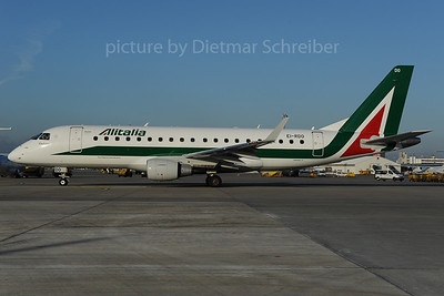 2013-12-02 EI-RDO Embraer 175 Alitalia