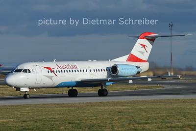 2014-12-26 OE-LFQ Fokker 70 AUstrian AIrlines