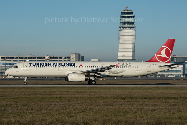 2015-12-26 TC-JRZ Airbus A321 Turkish Airlines