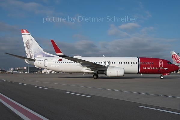 2015-12-30 LN-DYW Boeing 737-800 Norwegian