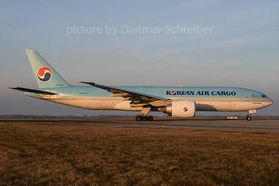 2016-12-16 HL8226 Boeing 777-200 Korean Air