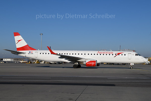 2017-12-25 OE-LWL Embraer 195 Austrian Airlines