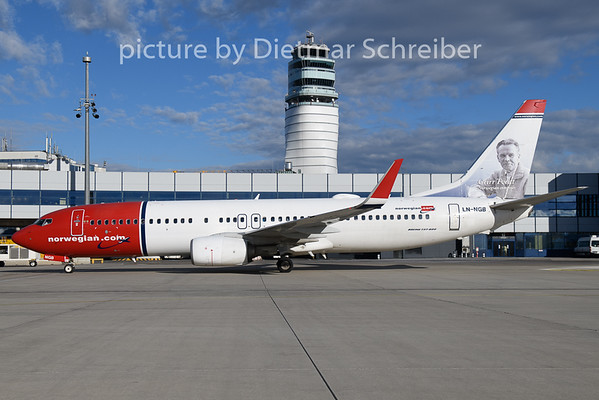 2018-12-28 LN-NGB Boeing 737-800 Norwegian
