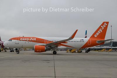 2019-11-08 OE-IZJ Airbus A320 Easyjet Europe