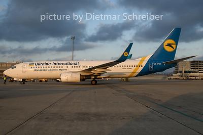 2019-11-22 UR-PSY Boeing 737-800 Ukraine International