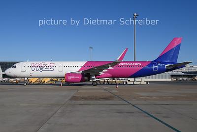 2020-12-26 HA-LXS AIrbus A321 Wizzair