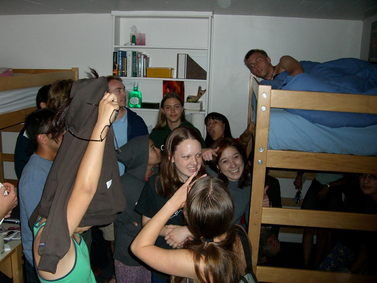 The 8th - Jenn Kim gets stuck as Tmony invades David Chiang & nekkid roomie's dorm