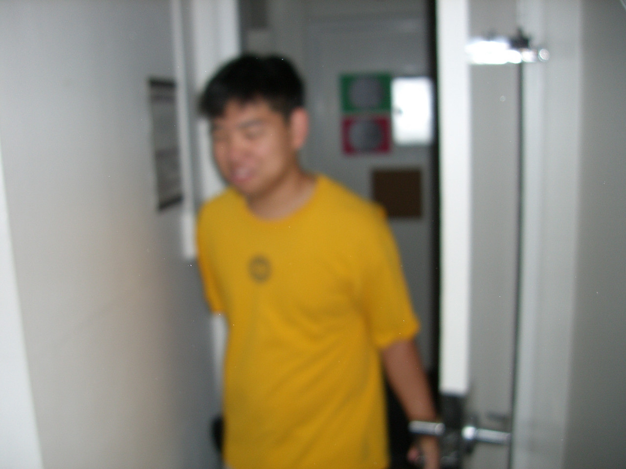 The 8th - David Chiang comes back from laundry - blurry