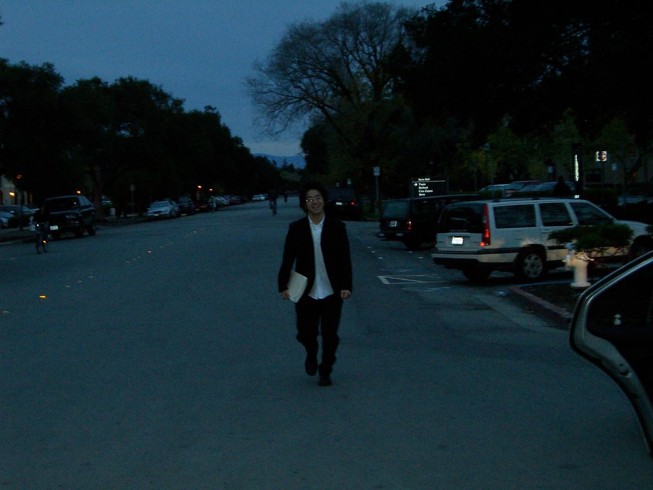 2005 12 04 Sun - Hyungsoo arrives at last