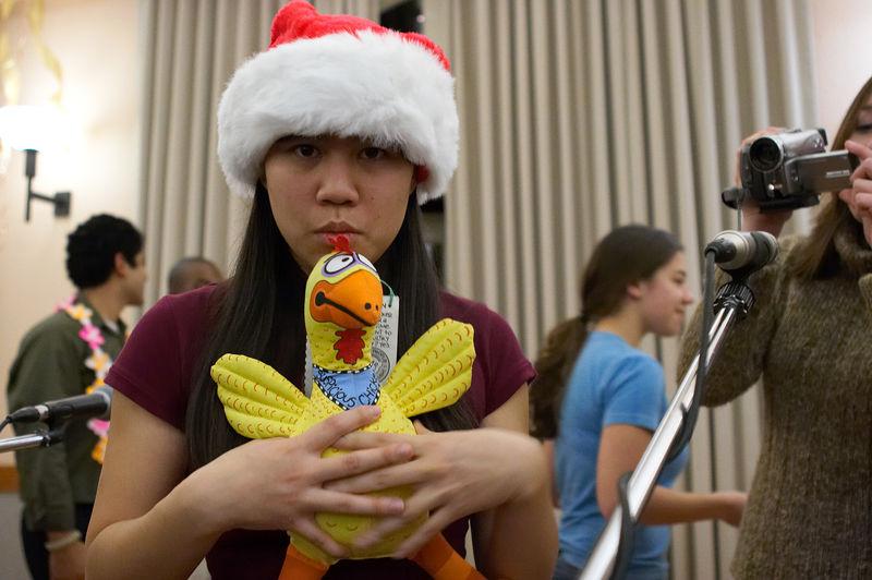 2005 12 10 Sat - A suspicious LeAnn Duong with a suspicious chicken & paparazzi Dana Nguyen