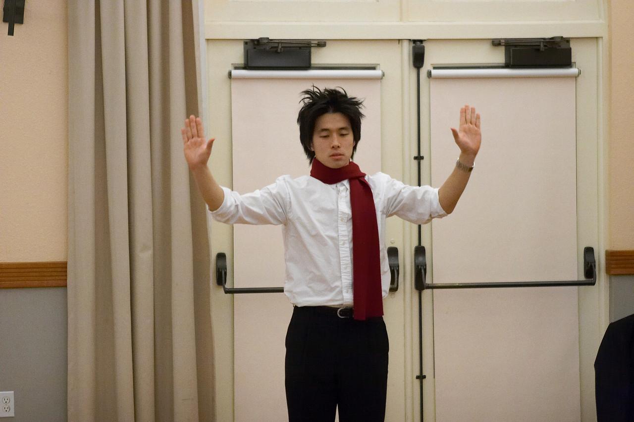 2005 12 10 Sat - Hyungsoo Kim practices being hokey