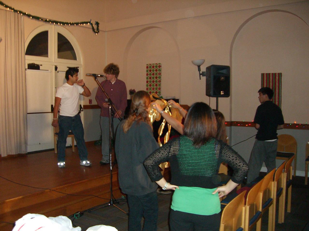 2005 12 10 Sat - Pablo Pozo demonstrates his solo technique