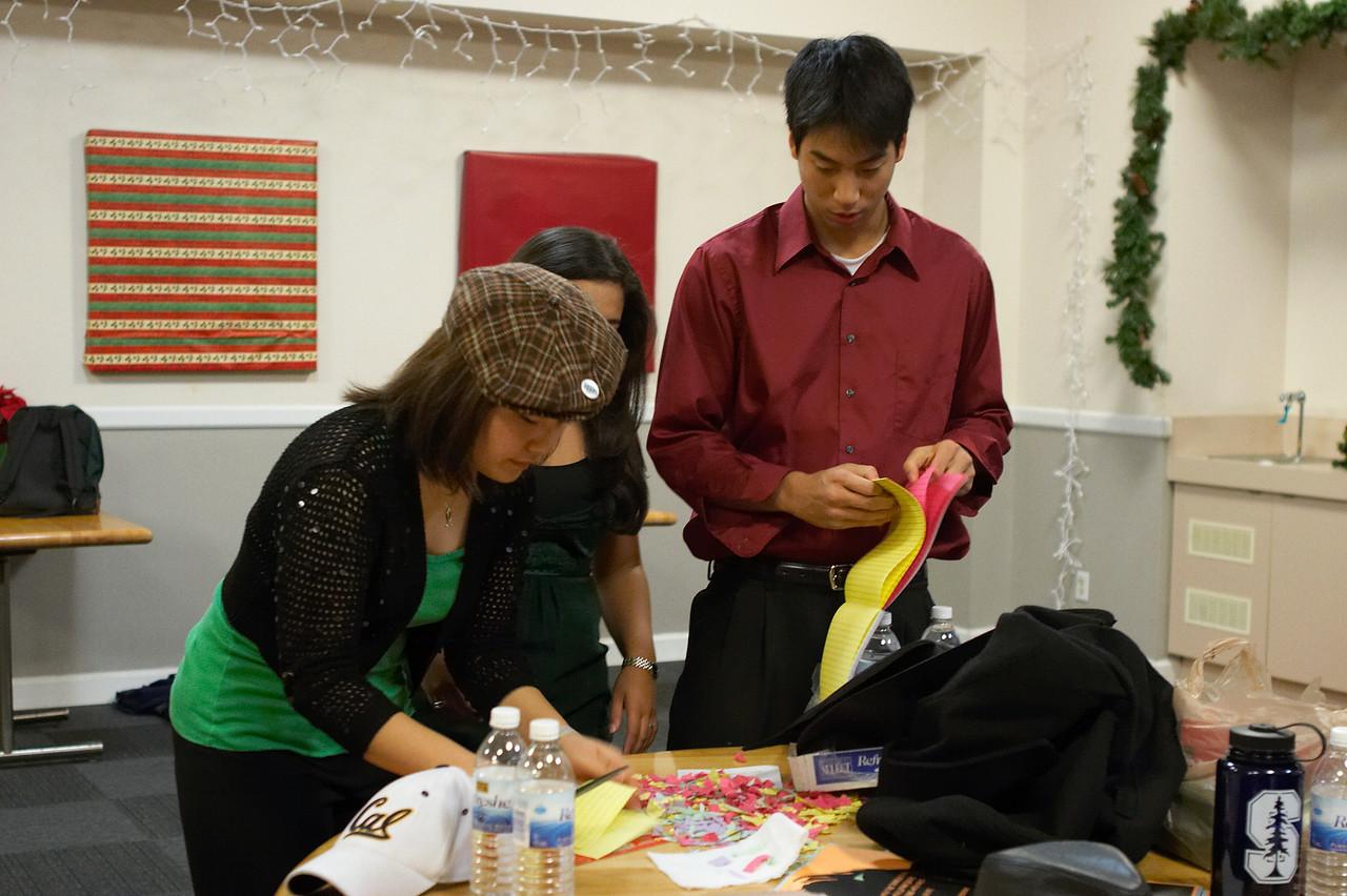 2005 12 10 Sat - Making confetti