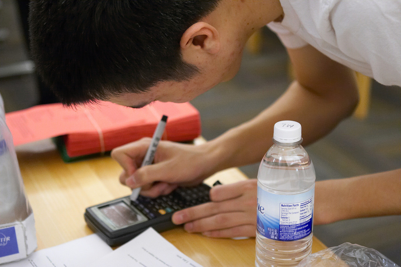 2005 12 10 Sat - Michael Lin makes his script cheat sheet
