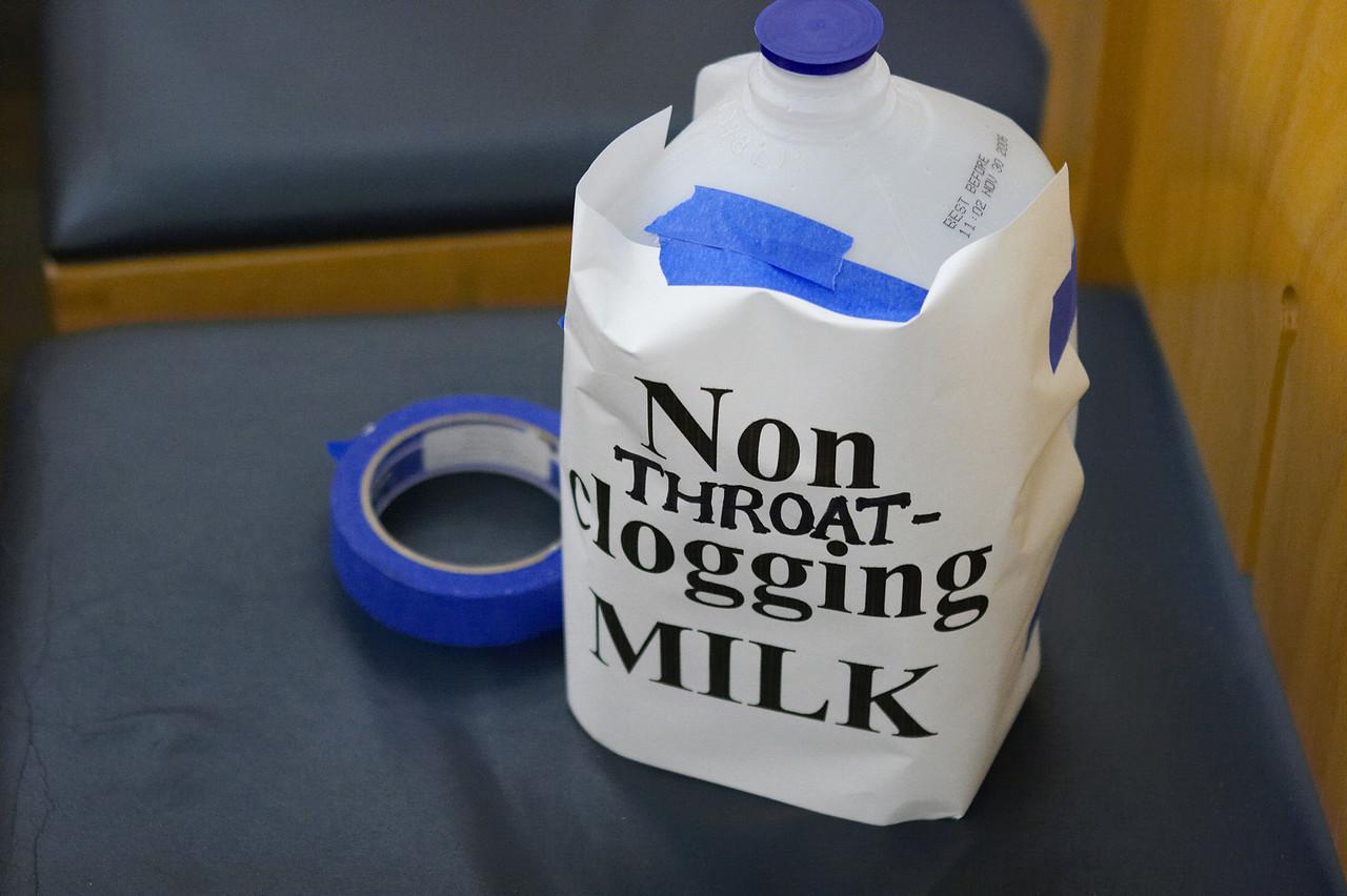 2005 12 10 Sat - Non Throat-Clogging Milk