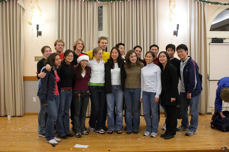 2005 12 10 Sat - Alumni group pic 2