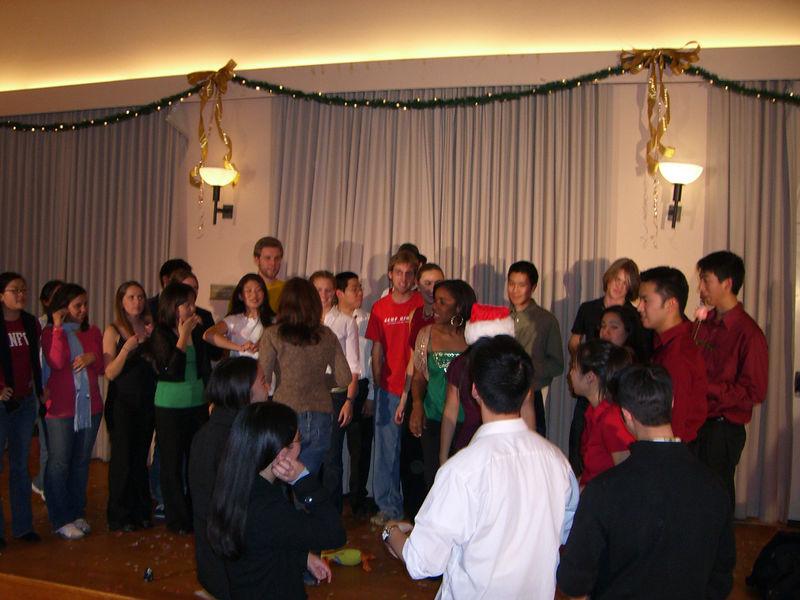 2005 12 10 Sat - Post Concert mingling