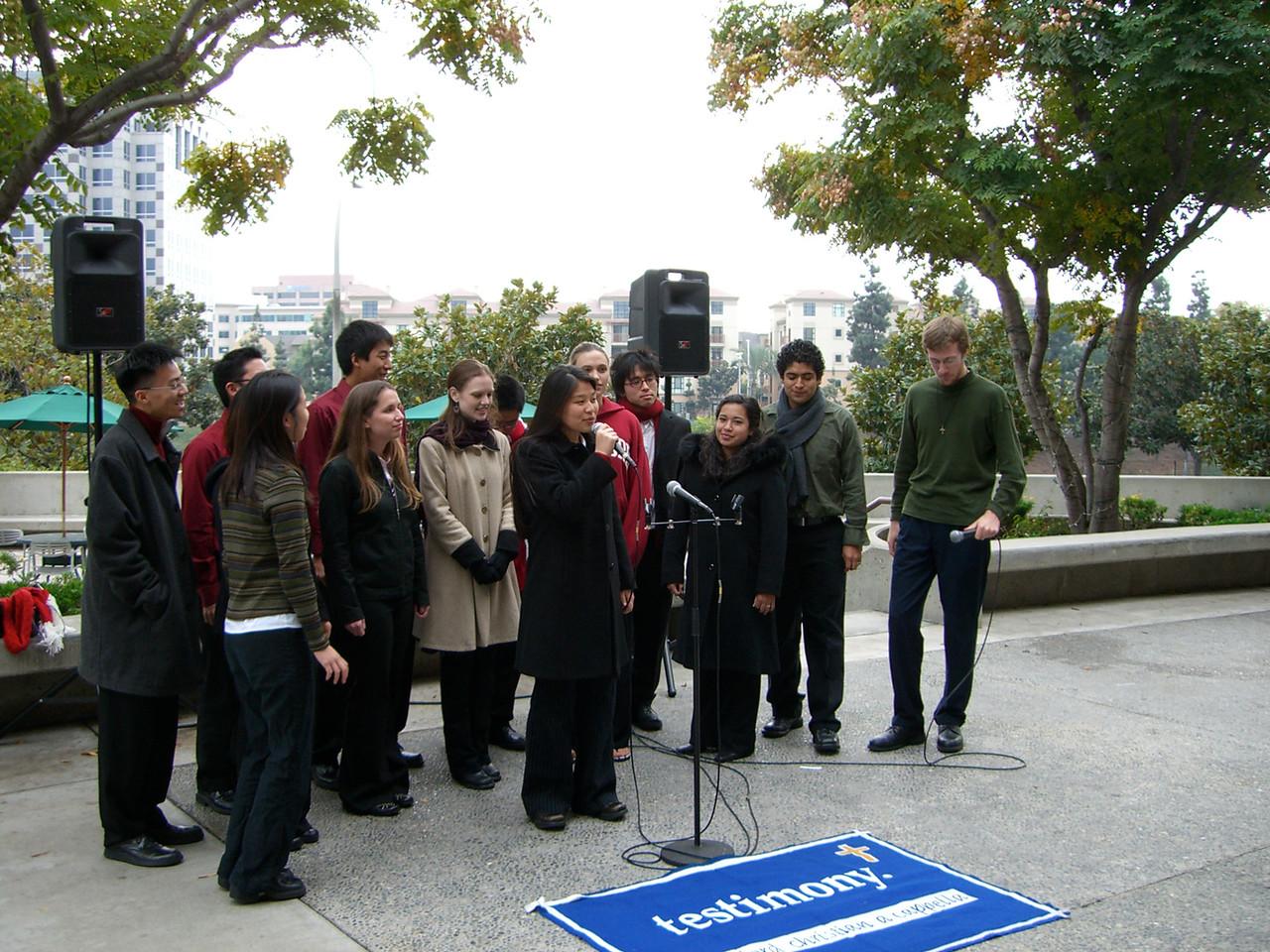 2005 12 18 Sun - Lake Ave Church - Jenn Kim intros Less Is More