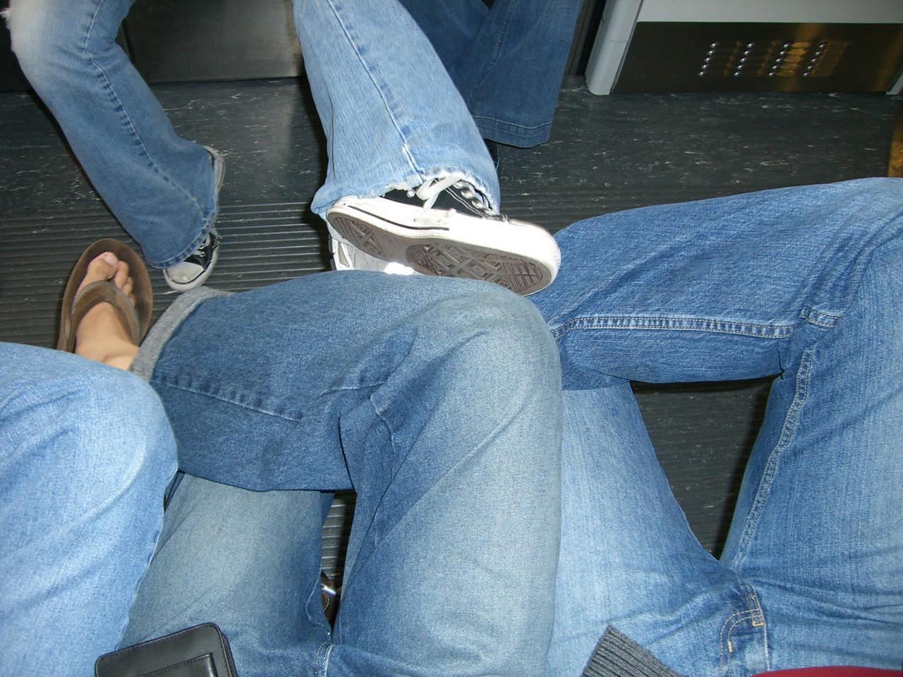 2005 12 19 Mon - I dislike wearing jeans