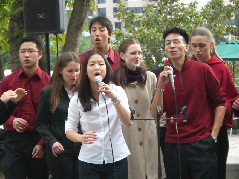 2005 12 18 Sun - Lake Ave Church - Jenny Alyono & Ben Yu on Emmanuel 1