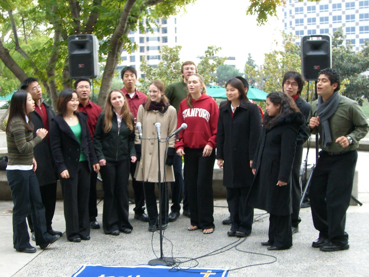 2005 12 18 Sun - Lake Ave Church - Jingle Bells & Pozo lets one rip