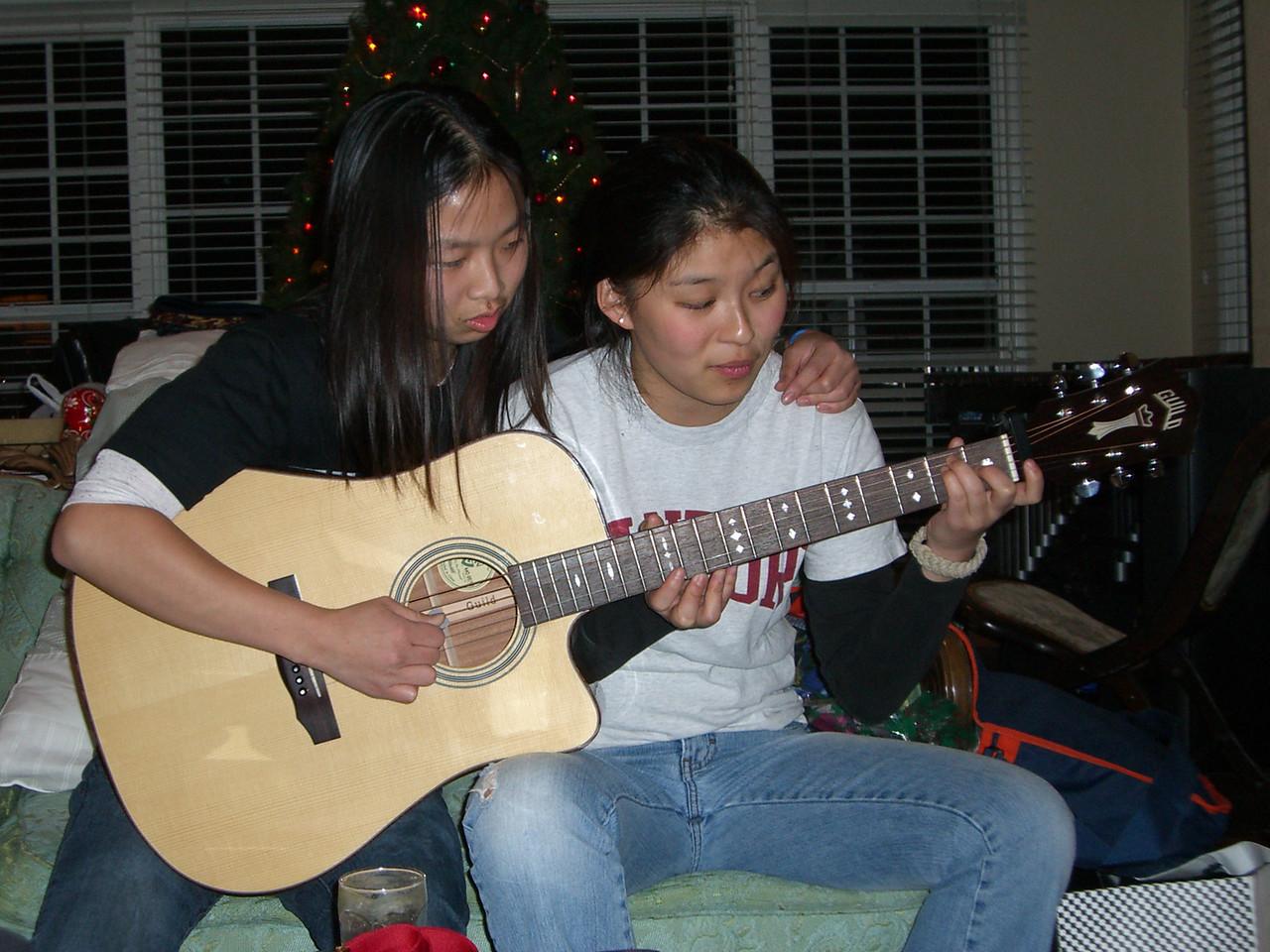 2005 12 18 Sun - Siamese twins Jenny Alyono & Jenn Kim, of different parents