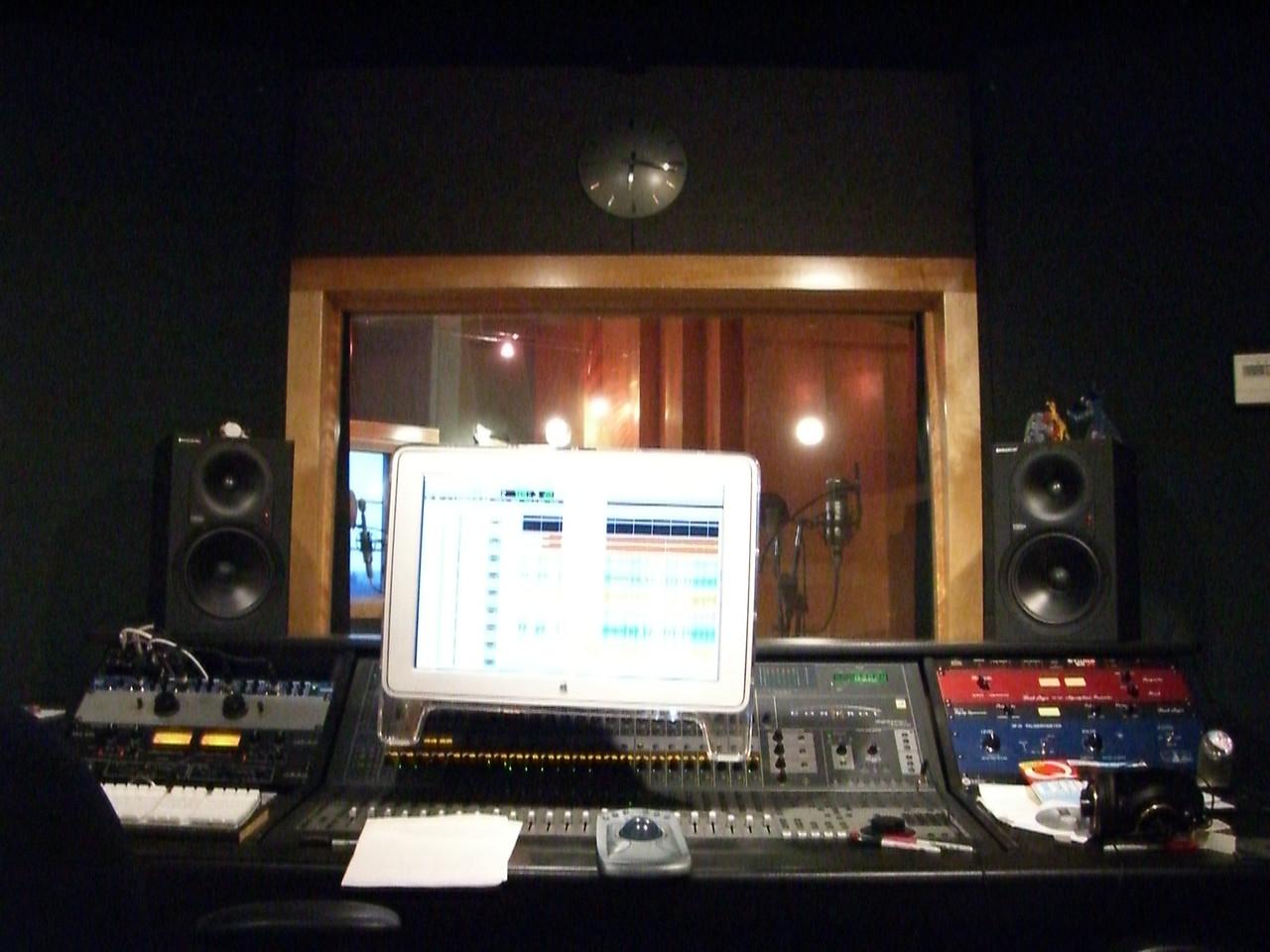 2006 03 02 Thu - At Bill Hare's studio - Soundboard