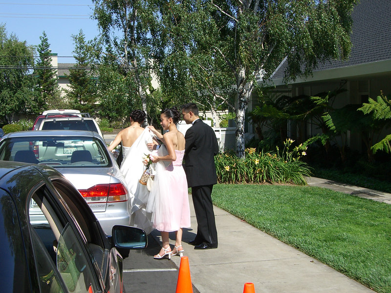 2006 06 24 Sat - Ben Poon & Bridesmaid helping JoEllen Poon into car